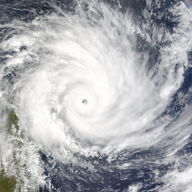 cyclone-62959_640.jpg
