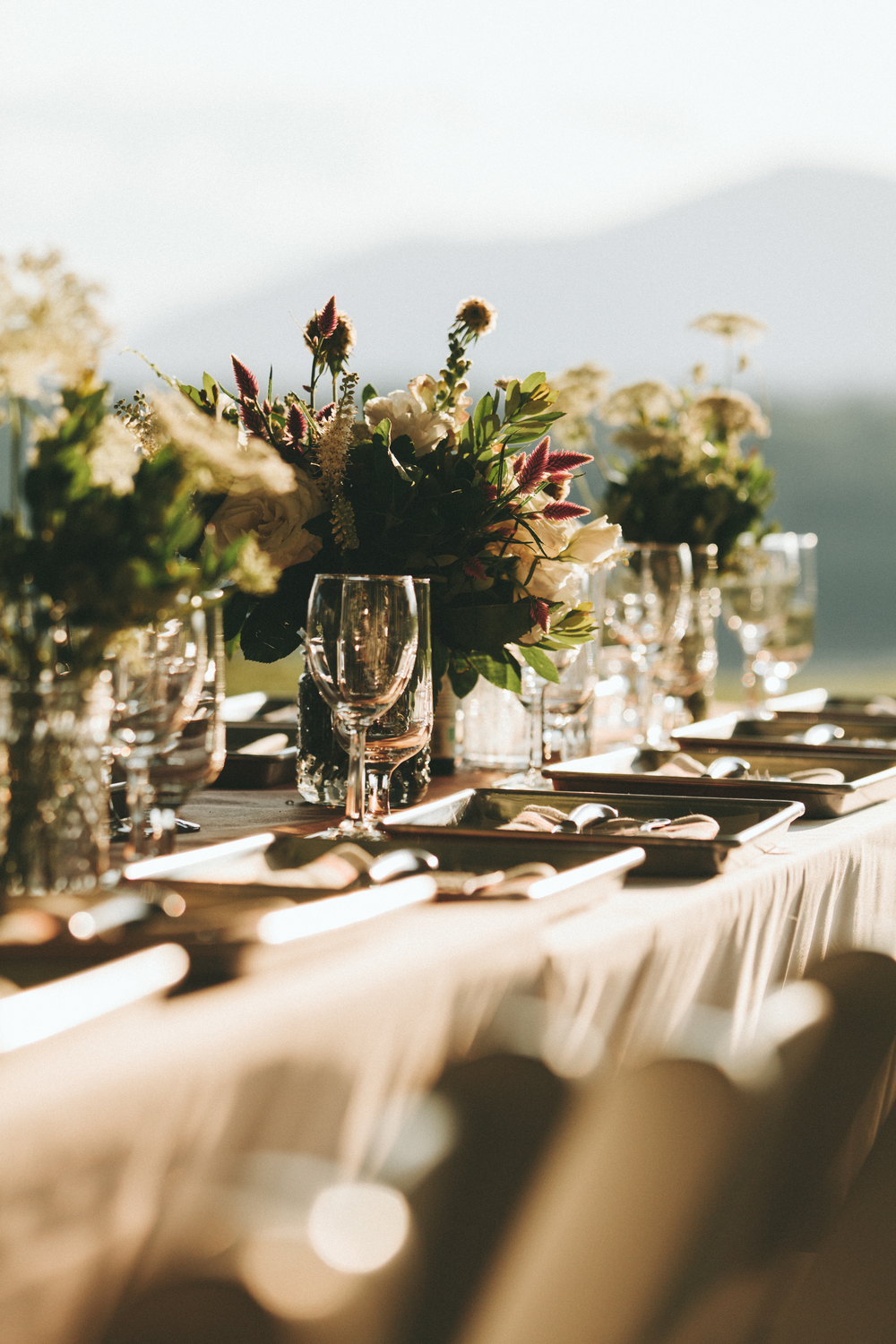 We throw elegant events that live at the intersection of utterly delicious and super fun.