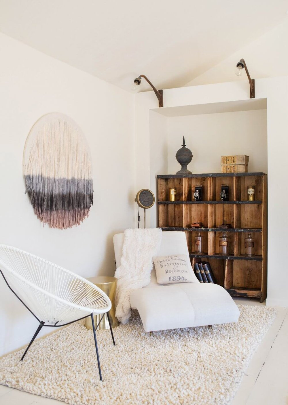 Emily-Henderson_Round-Top_Texas_Antique_Flea-Market_Shopping_EHD-Team_Event-Space_Modern-Farmhouse_Rustic_The-Vintage-Roundtop_24-1024x1442.jpg