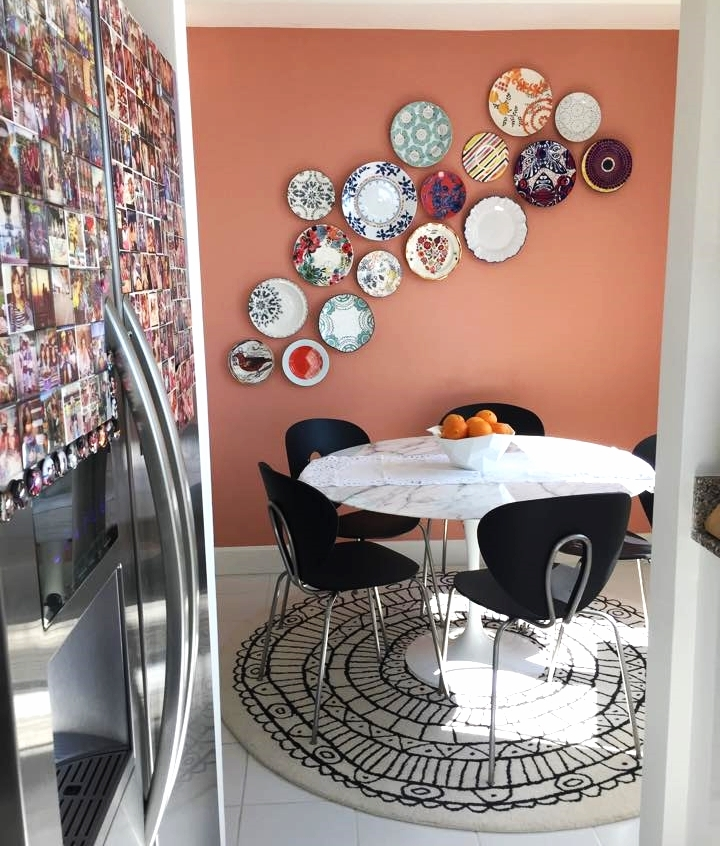 Wall with plates - Tutorial Blogzilla NYC