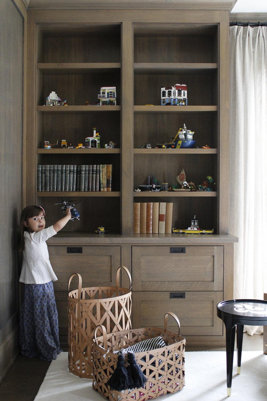 Nana Cunha - 5 Library detail a.jpg