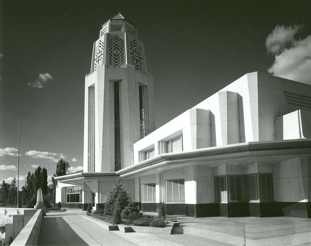 municipalbuilding.jpg