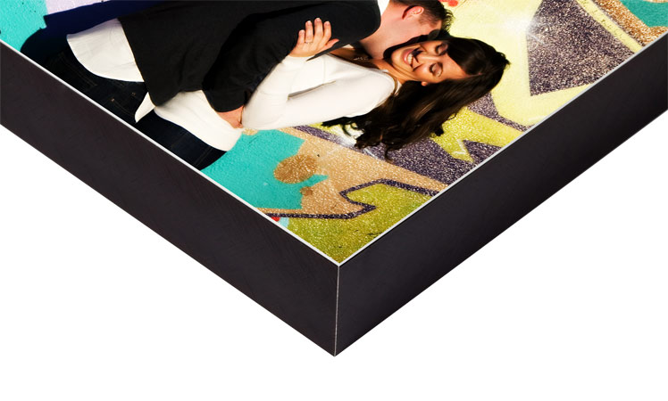 Metal prints larger than 24x36 will be provided with a flush mount to enhance rigidity and durability.
