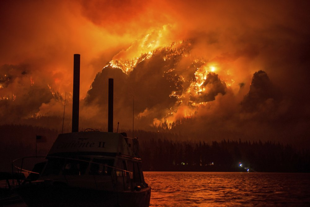 Columbia River Gorge Fire. Image courtesy of Tristan Fortsch and KATU News