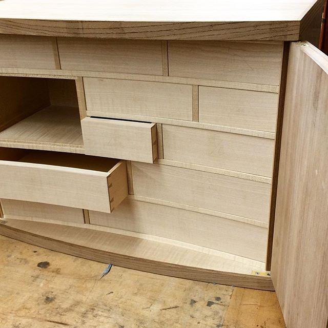 Progress! Matt Mecaro's @mattmecaro doors and drawers inspired by James Krenov. #handmademindmade #440alger #sfdw #finefurniture #krenov 🔨🔍