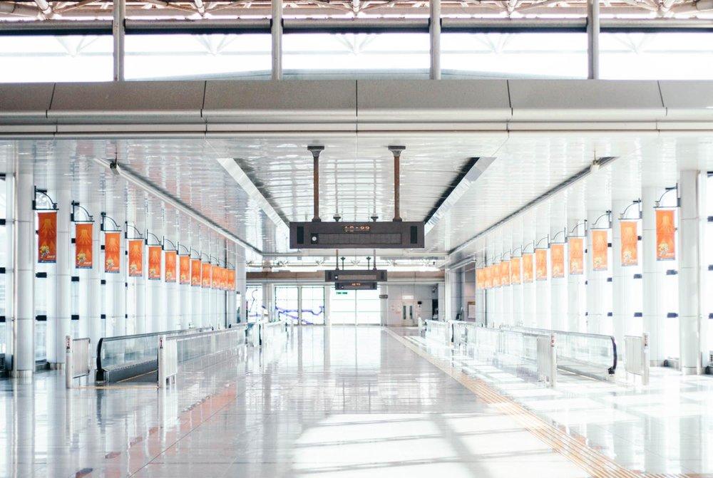 住んでいた清水駅の2つ隣駅の「東静岡駅」コンコース