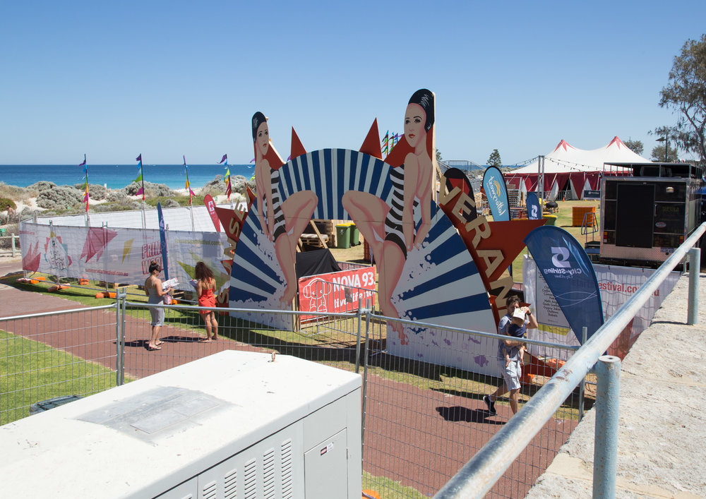 Figs 18 and 19: Scarborough Beach in Perth WA, with facilities, infrastructure and uses the same as a town square
