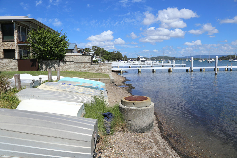 Fig 18: Boats creating an acquired space by being stored within a public foreshore in Lake Macquarie, NSW