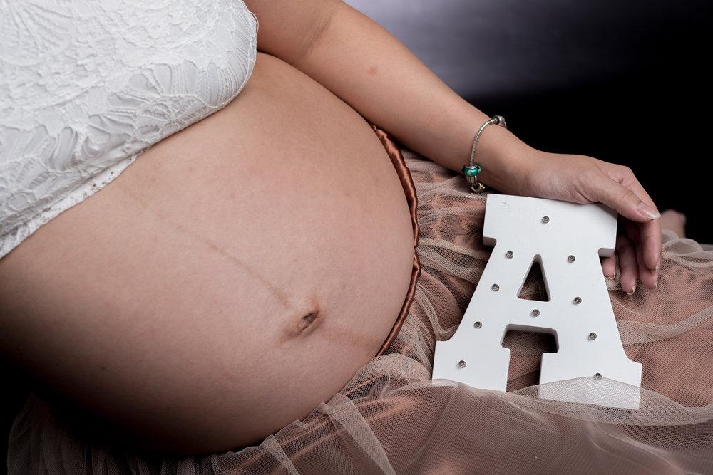 Maternity Shoot_1158.jpg
