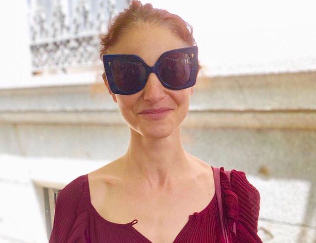 The stunning Veronica in her SohoBespoke sunglasses. These were a pure delight to design. The front is a blue and black Italian acetate paired with a beautiful gold mottled vintage acetate for the temples. I hunted high and low for vintage gold pins and hinges. They add a deco feel to the extravagant style. Enjoy your sunglasses @verogrolimund. Thanks to Ed for thinking of a pair of bespoke sunglasses as a birthday present!  #sohobespoke #madetomeasurespectacles #bespokeeyewear #handmadeinengland