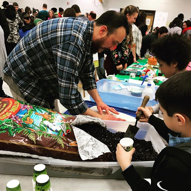 We had a good time at #nickajackelementary planting tomato seeds at #steam night! We are proud #pta sponsors. A big thanks to @ourgivinggarden, who snapped these pics for us!!