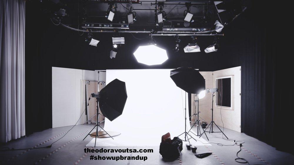 www.theodoravoutsa.com
