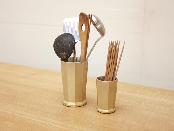 Futagami / Oji Masanori /portamestoli portapenne ufficio cucina ottone fonderia giapponese / Spazio Materiae Napoli