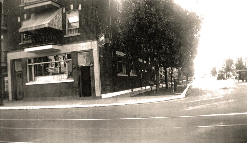 Le coin nord-ouest de Bélanger et De Normanville au début des années 1920.