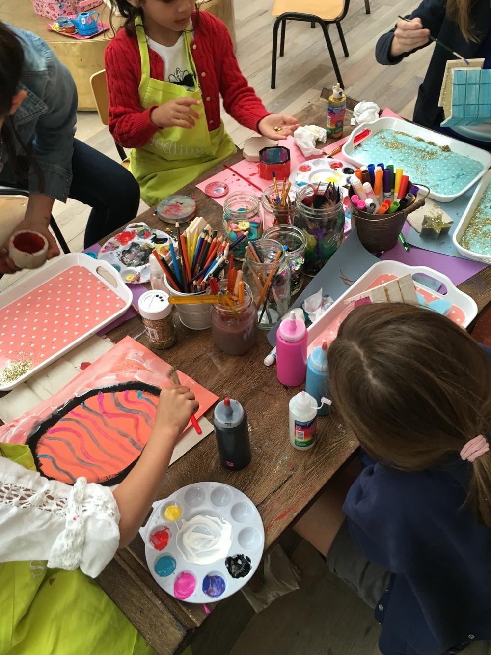 ちょうど行った時は子ども達はアートを楽しんでいました。