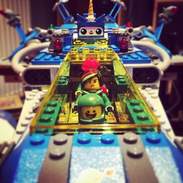 #spaceship #spaceshipspaceshipspaceship #lego #benny #wildestyle #astrokitty #emmet #80s