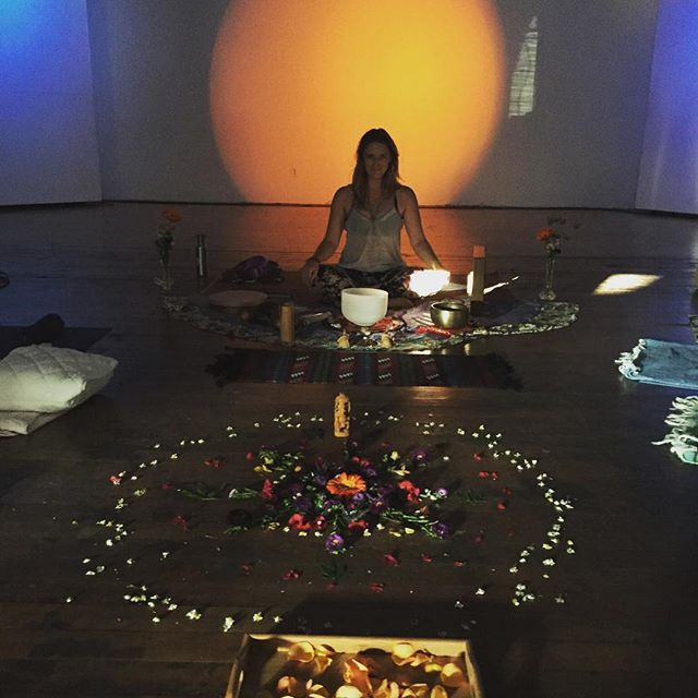 A week later, we're still feeling energized and invigorated from our Sound of Soulstice event last week. Thanks to all who came out and made it so special! ... #startsync #soundhealing #sf #womeninweed #womenincannabis #flowermandala #sampleandshare