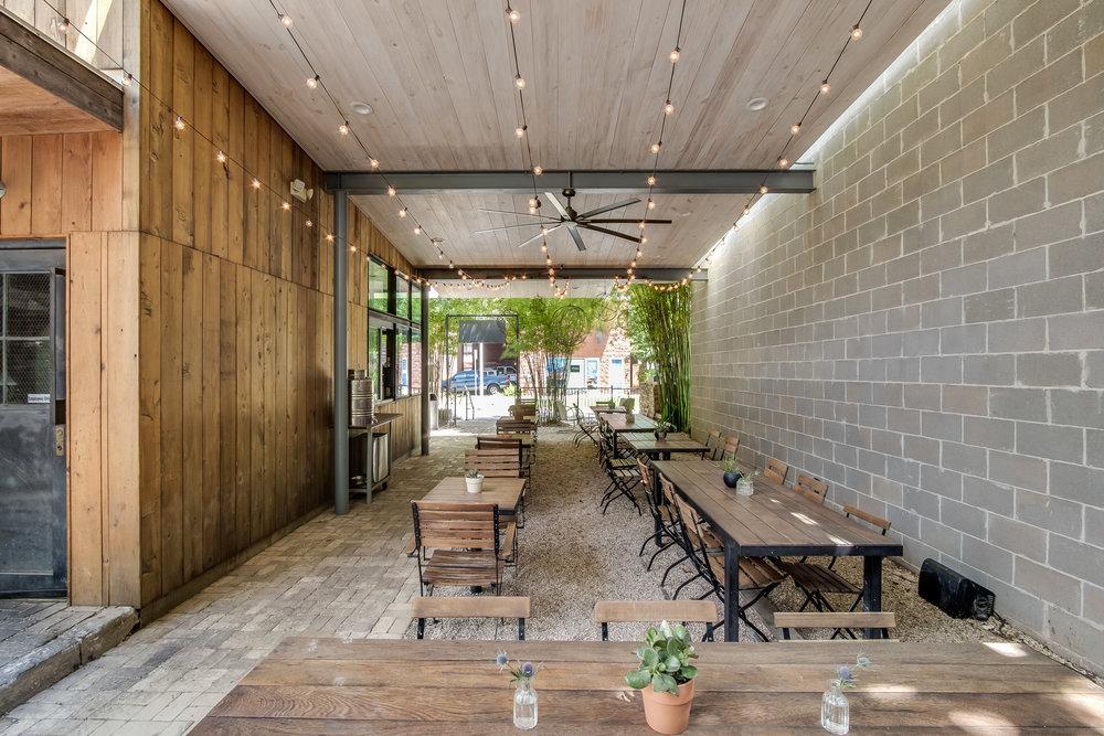kitchen patio 2.jpg