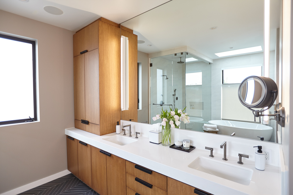 Ilona-House-14-Master-Bathroom-Angle-2-1500x1000.jpg
