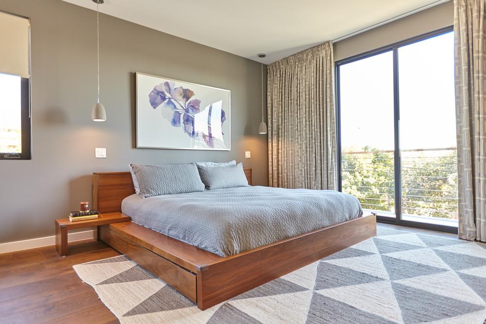 Palms-Blvd-Master-Bedroom-1500x1000.jpg