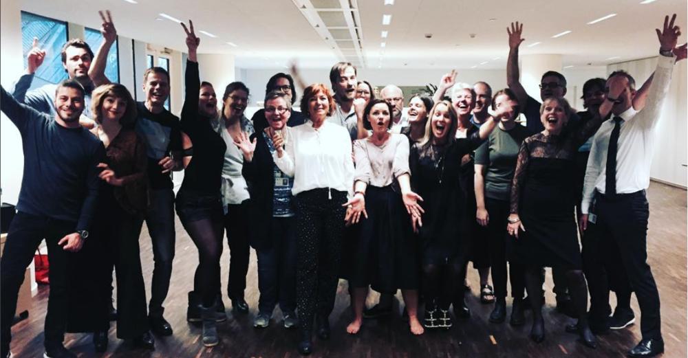 I december 2016 havde jeg fornøjelsen af at kickstarte julefrokosten hos Danske Arkitektvirksomheder på Vesterbro, med Karen Sejr og Lene Espersen i danse-spidsen. Det var en sjov eftermiddag og rygtet lød, at der var mere gang i dansegulvet efterfølgende, end nogensinde før.