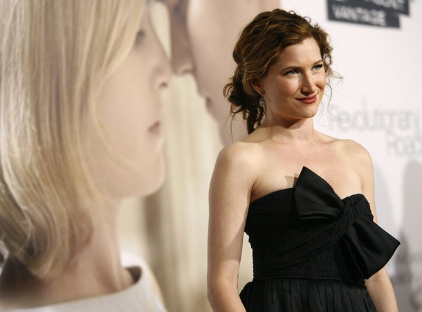 Kathryn Hahn poses at the premiere of the movie Revolutionary Road at the Mann Village theatre in Westwood