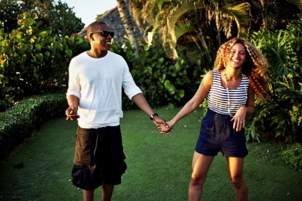 beyonce-jay-z-sunshine-holding-hands-tumblr_1-609x406.jpeg