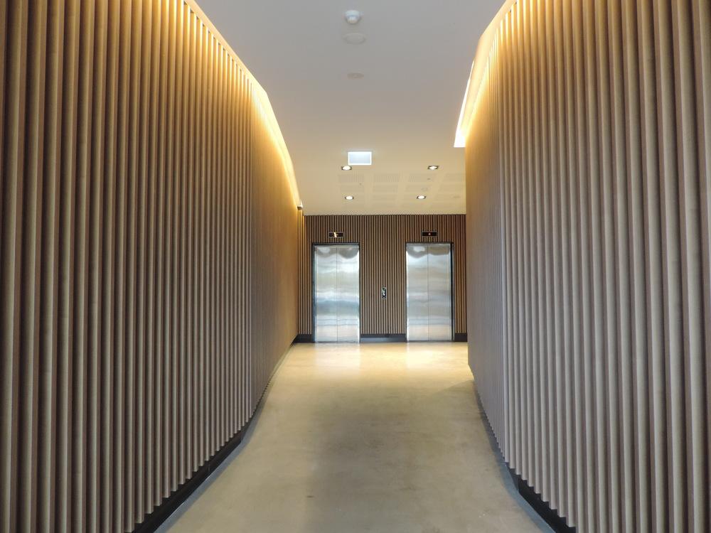 Ever Artwood - Melbourne Apartment Complex Lobby
