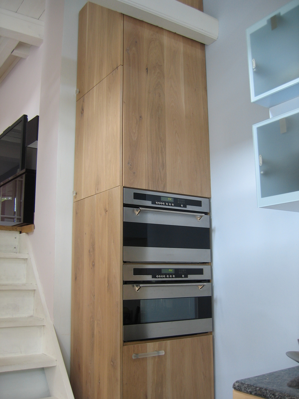 kolomkast voor inbouwapparatuur, vanaf twee zijdes toegankelijk