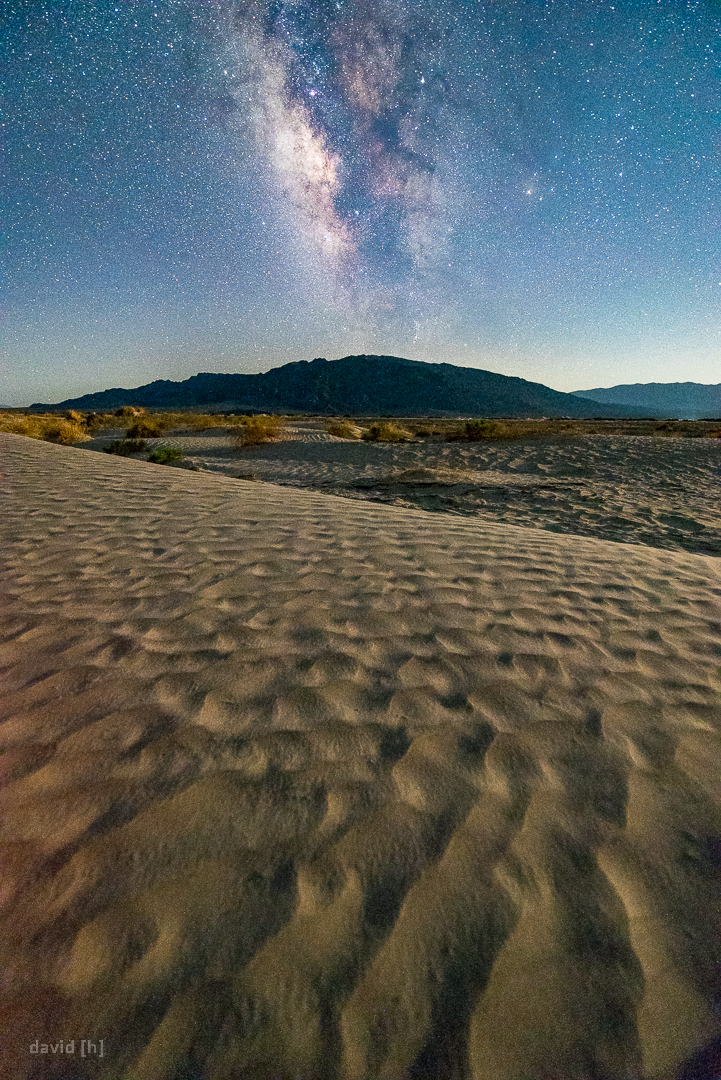 During my late-night stumble over some small dunes me and my camera met our maker: 44 °C after midnight.