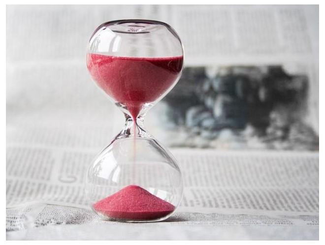hourglass-917364_1920-636x480.jpg