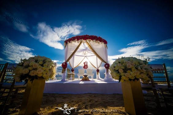 round mandap GRM red white gold.jpg