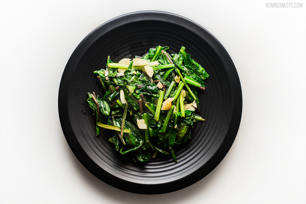 Steak_Dandelion-Greens_Carrots_Chimichurri_SayNomaste_4.png