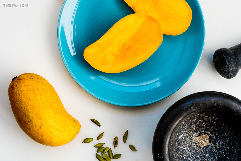 Mango-Vanilla-Cardamom-Vegan-Energy-Protein-Smoothie_3_Nomaste