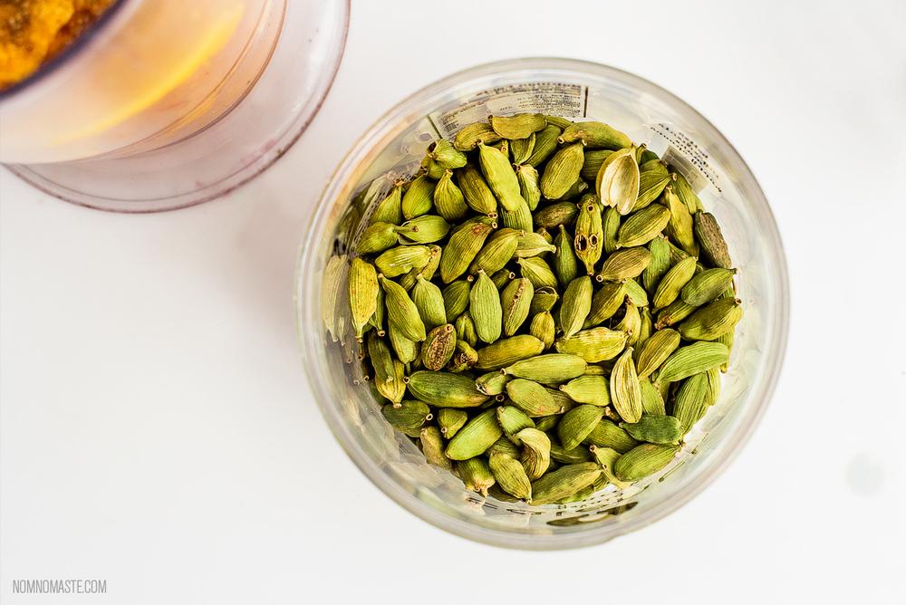 Mango-Vanilla-Cardamom-Vegan-Energy-Protein-Smoothie_Nomaste_7