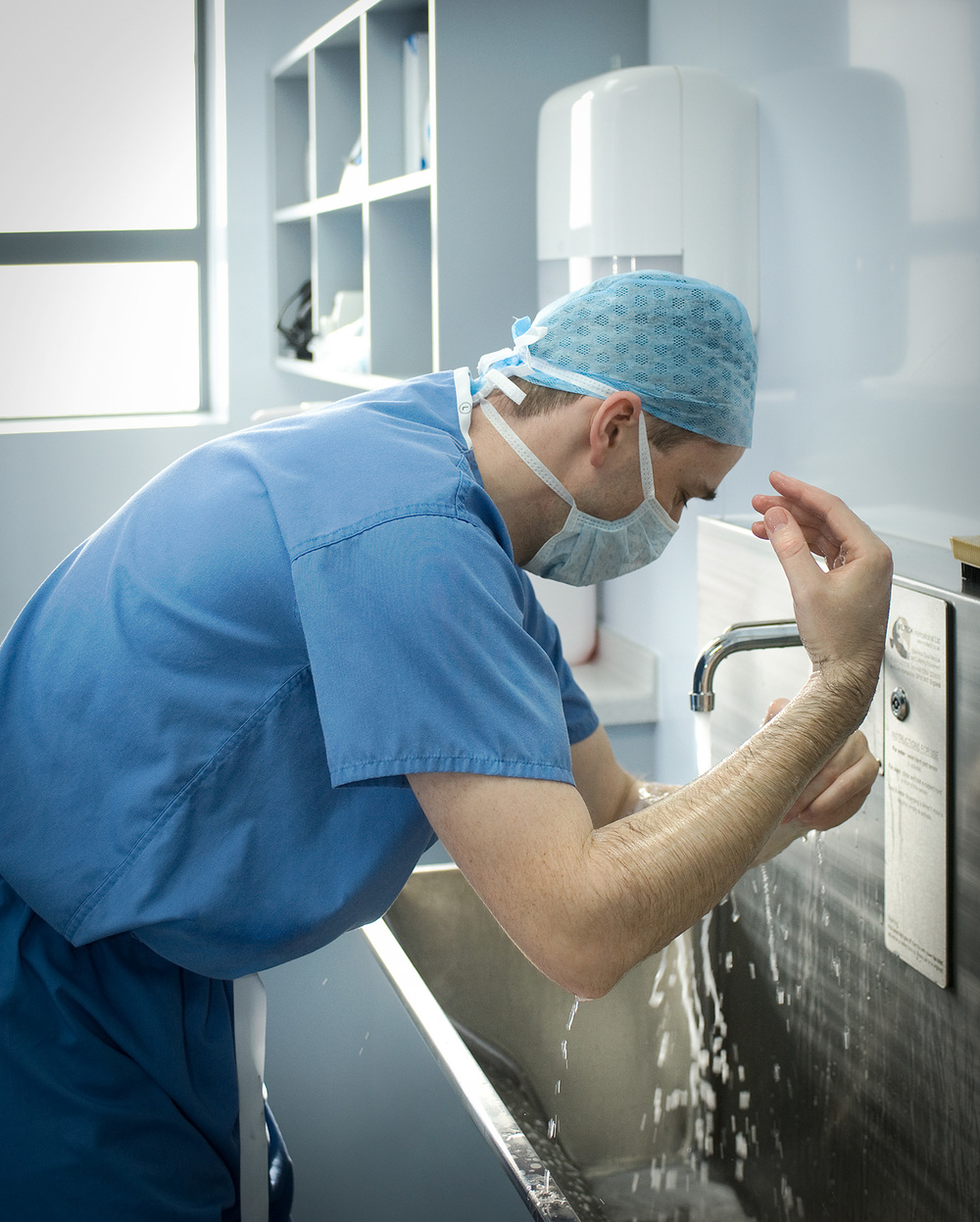 Scrubbing-up-for-surgery-1.jpg