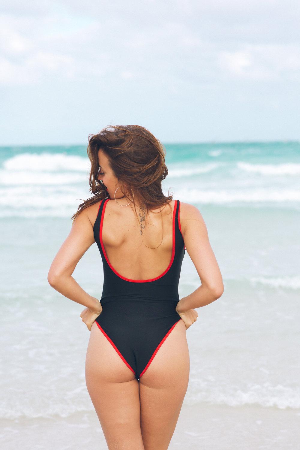 MiamiSwimsuitPhotographerModelPhotographySouthBeachFlorida(final)-38.jpg