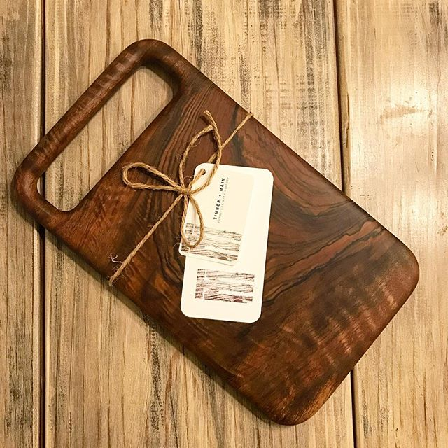 It's always a little bittersweet when we ship our products to their new homes. This rounded handle cutting board is handmade from reclaimed English walnut and is the only one of its kind. We're certainly a little sad to see it go but we hope it's new owner in New Jersey absolutely loves it!  #timberandmain