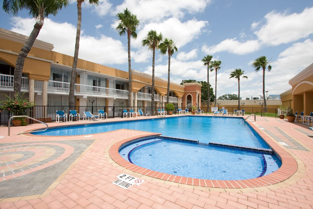 Weekly & Monthly rates from only $40 per night! - La Copa Hotel  La Plaza Mall McAllen, Texas