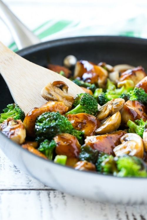 chicken-and-broccoli-stir-fry-7-683x1024.jpg