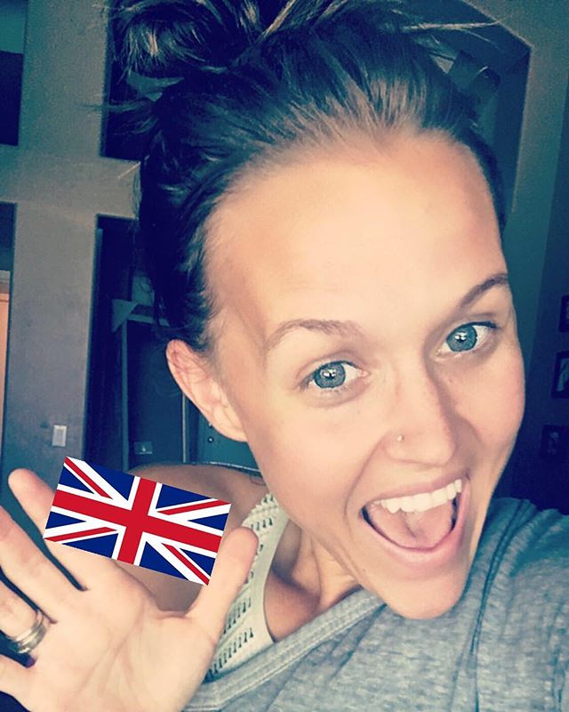 •I'm so EXCITED•  Where are all my ladies from the U.K.!?!? We are hosting a first ever UK hangout and I want to share with you!! ✌🏼 If this is you or you have a friend in the U.K. -- PM me or comment below and I'll get you all the details!!! 🙌  Did I mention I'M SO EXCITED!?