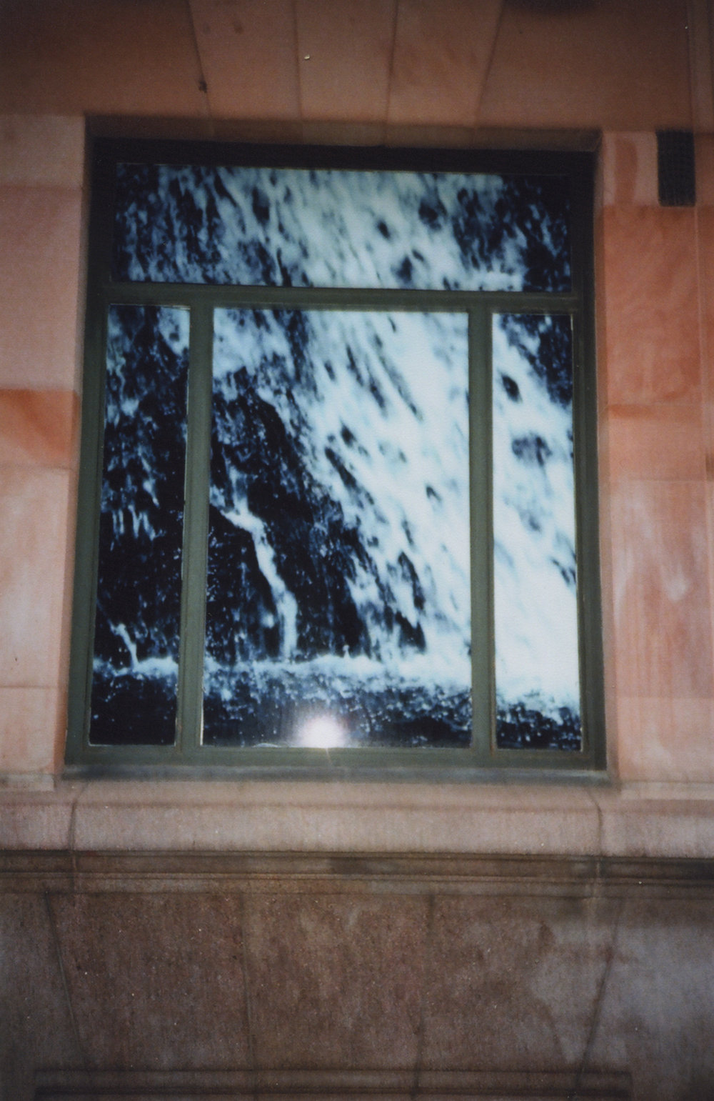 Disposable 16A (Window), 2018, C-print.