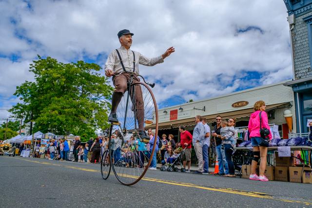 2016 parade penny farthing bike.jpg