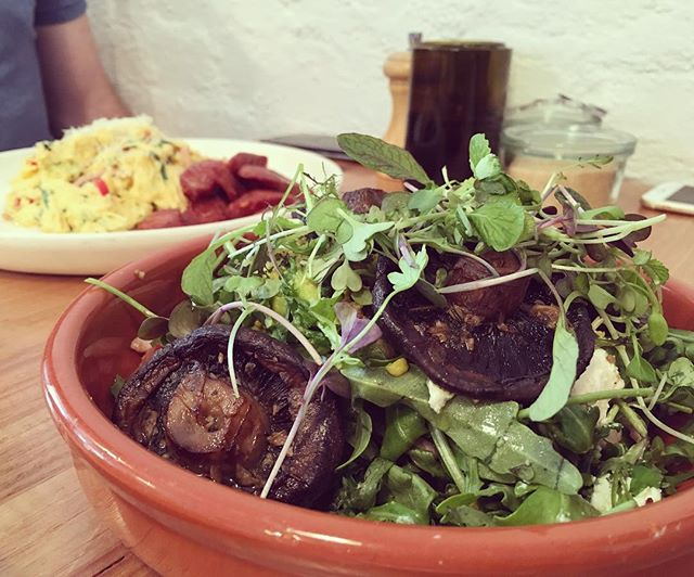 Breakfast Salad with field mushrooms @finders_keepers_cafe. Check out our latest blog post including an interview with owner Sean☺️http://www.jojoandlili.com/blog/23/04/2016/finders-keepers-cafe-hawthorn