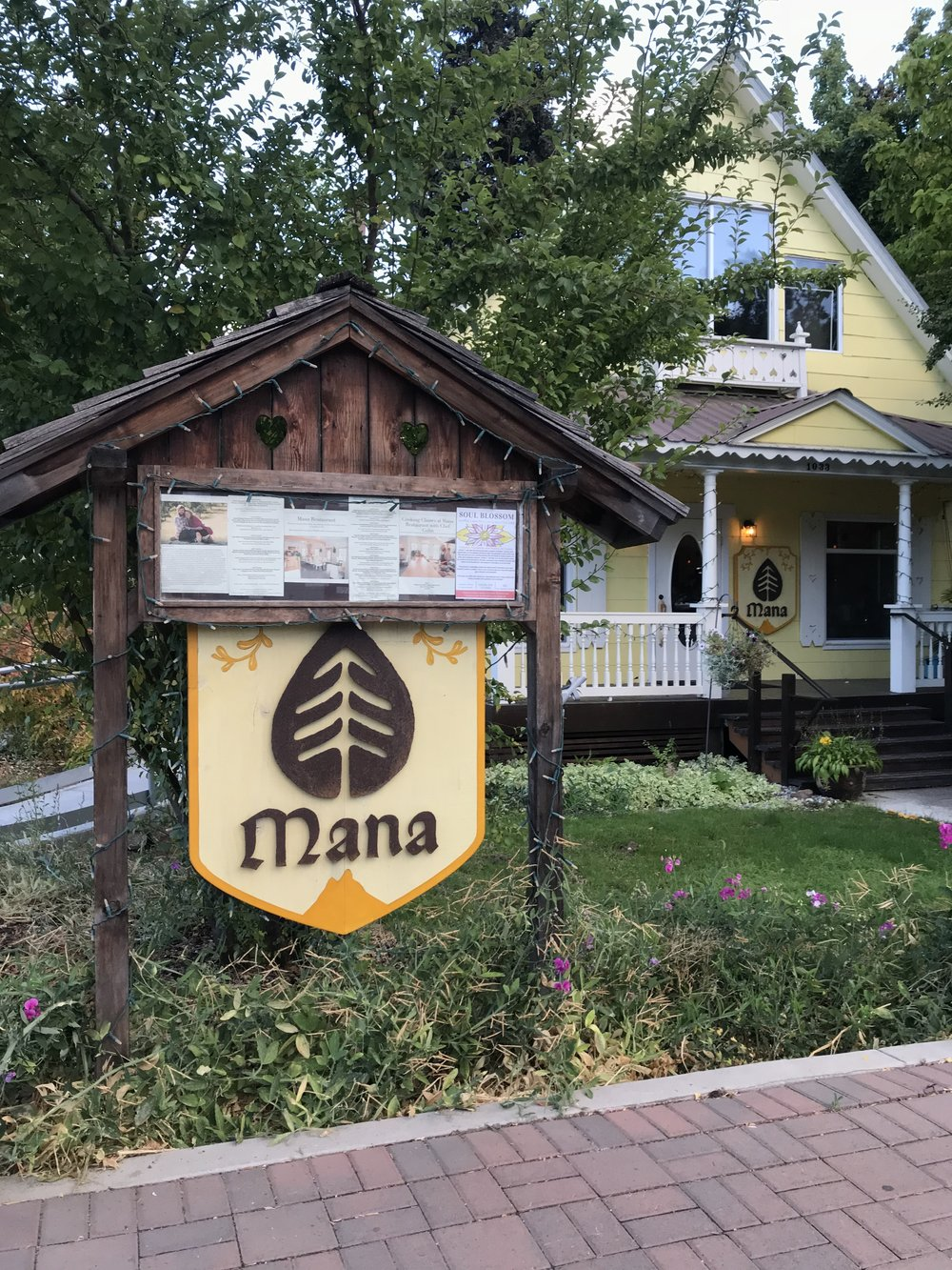 "Bre Sheppard : Exploring Leavenworth - A Seattle ""Staycation"" - Mana : Foodie.jpg"