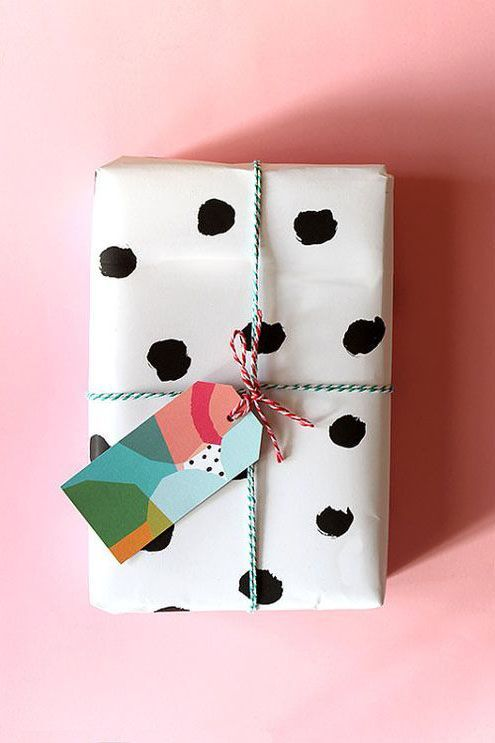 PInk Chrstmas Gift Wrapping.jpg