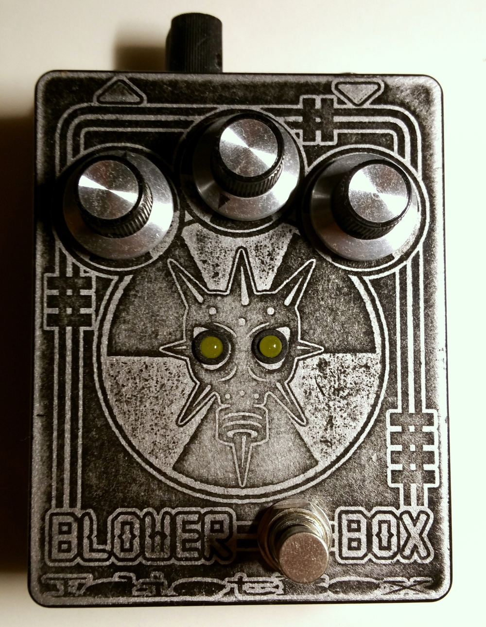 Idiot Box Effects Blower Box Bass Distortion.