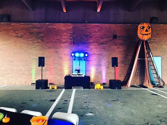 2018 #Harvest #Festival at Jackson Elementary School, this is my 5th year providing services for this event! #pdx #portland #pnw #oregon #pnwonderland #fun #hillsboro #halloween #feature #artwork #michaelmyers #photooftheday #horrorfan #stuff #trickortreat #skinillustrator #gothic #instagood #boo #happy #october #creepy #blood #halloweencostume #horrorhags #smile #pumpkin #scary