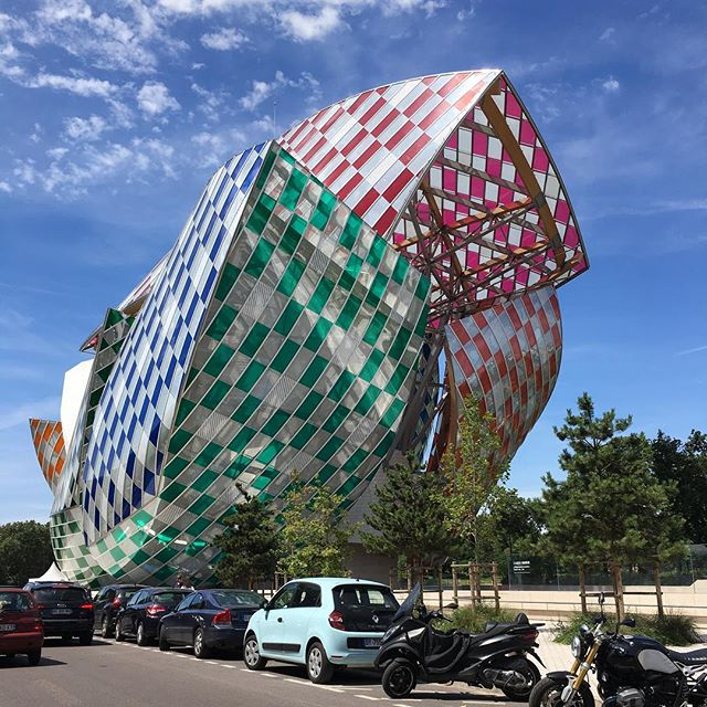 Loved #foundationlouisvuitton #frankgehry and the #danielburen installation