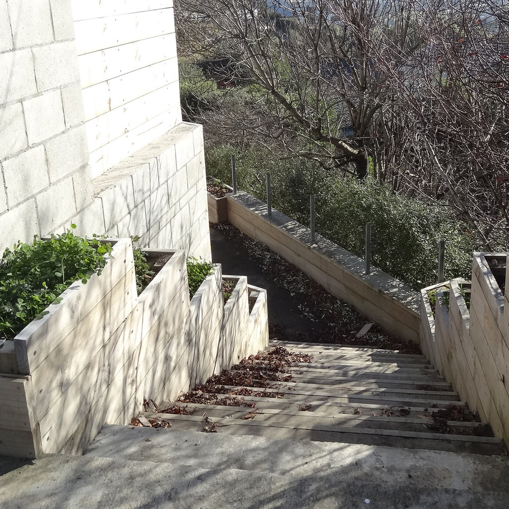 steps retaining walls.jpg